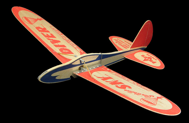 Sky Diver folding wing glider from 1984, Frank Macy with Pactra parts