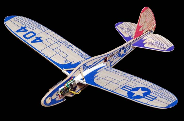 Jim Walker's 404 folding wing interceptor gets a radio control upgrade from Paul Bradley.